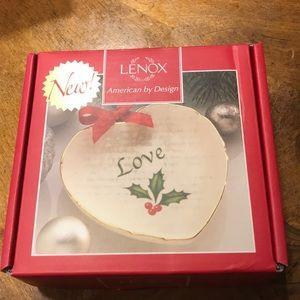 NIB Lenox Holiday sentiment heart dish-Love